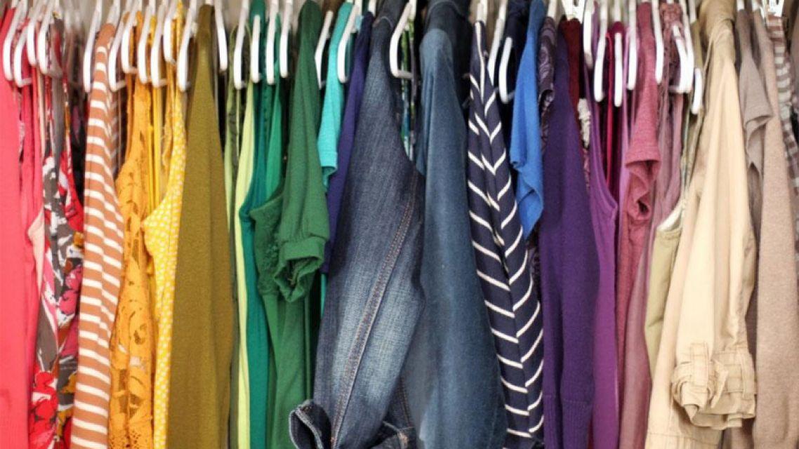Zbierka obnoseného šatstva